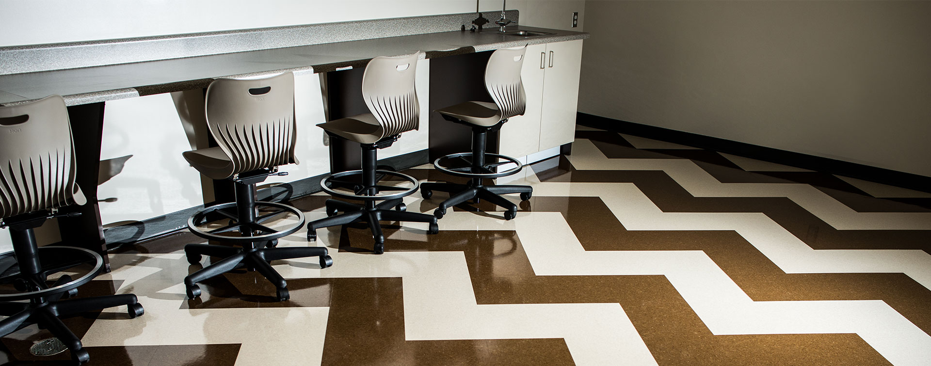 chevron-custom-commercial-flooring-pattern