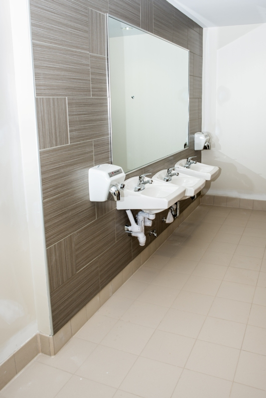 commercial-bathroom-tilework