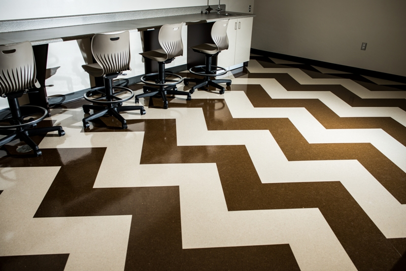 custom-flooring-pattern-computer-lab