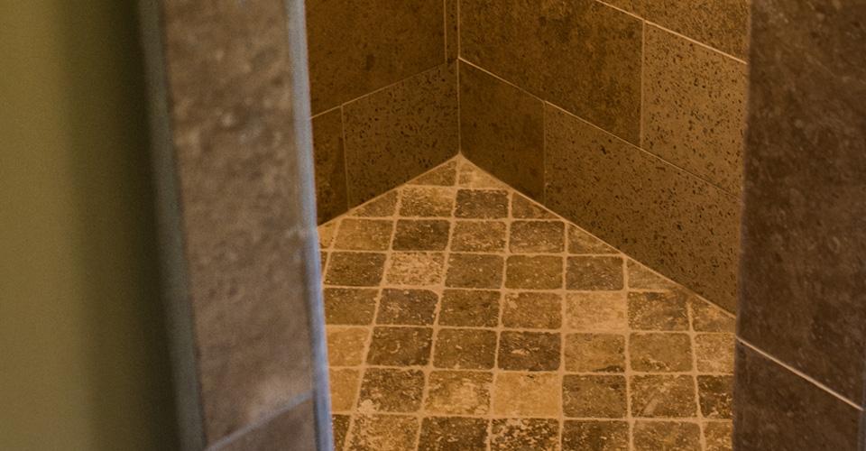 showerstall-tilework-detail